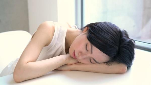 Giới khoa học khẳng định: Ngủ trưa ít nhất 2 lần/tuần giúp kéo dài tuổi thọ, giảm 48% nguy cơ đột quỵ-1