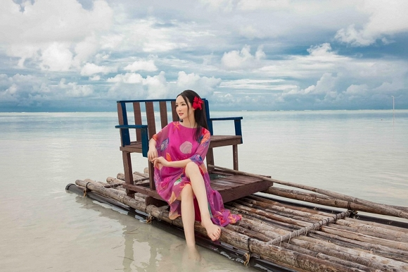 Hoa hậu Đền Hùng Giáng My lại thả dáng gợi cảm trên biển-4