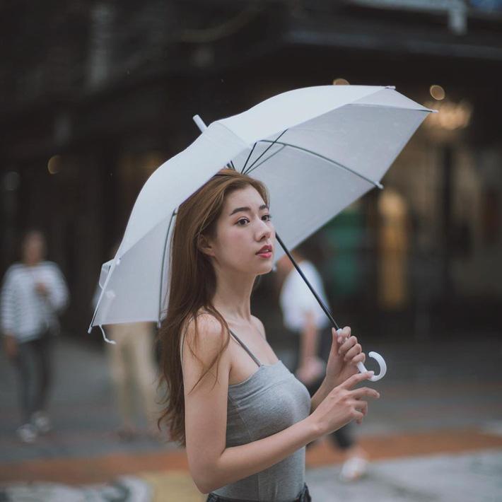 4 kiểu tóc nhanh gọn cứu vớt nhan sắc của chị em trong những ngày mưa gió não nề-1