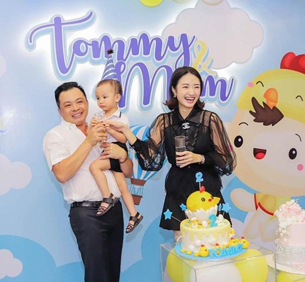 Hoa hậu Việt gây tranh cãi vì lấy chồng đại gia hơn 19 tuổi khi vừa đăng quang bây giờ ra sao?-5