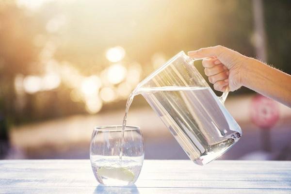 Vì sao 1 cốc nước uống vào thời điểm này tốt cho sức khỏe hơn cả nghìn viên thuốc bổ-1