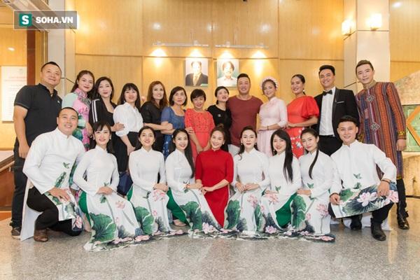 NSƯT Chí Trung, Bảo Thanh, Thu Quỳnh và nhiều nghệ sỹ nổi tiếng dâng hương giỗ Tổ nghề-2