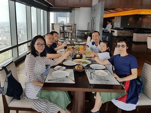 Chân dung người vợ kín tiếng đã thay đổi cả cuộc đời MC Lại Văn Sâm-2