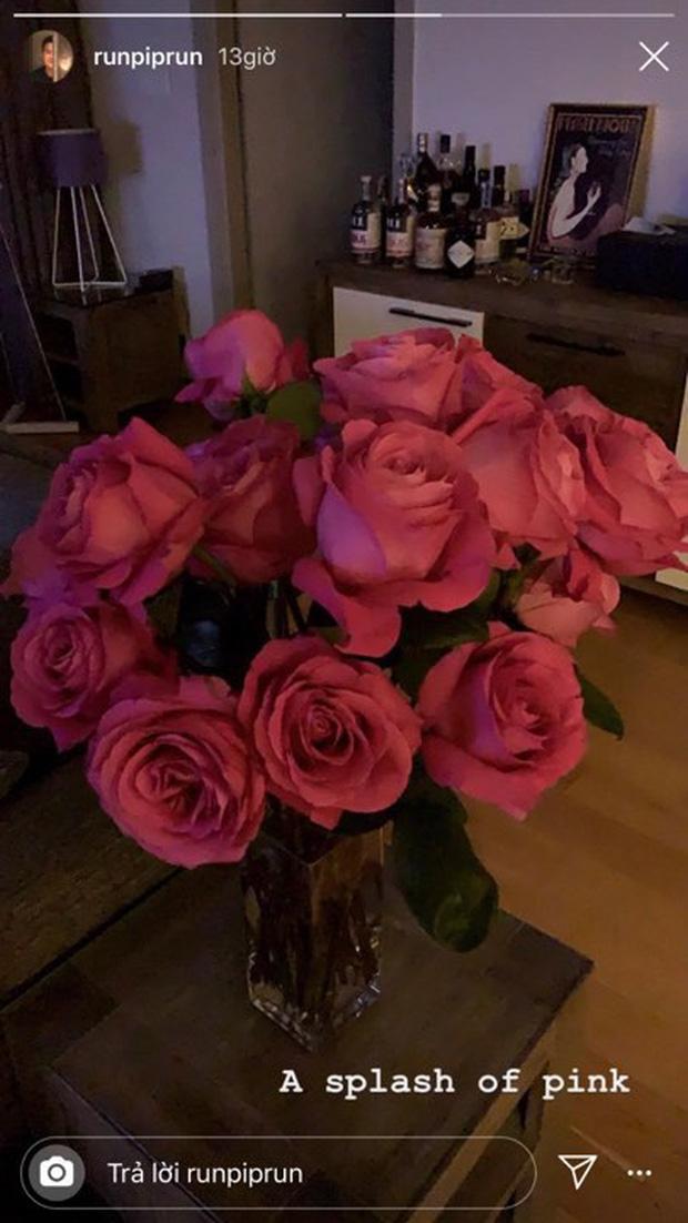 Yêu Phillip Nguyễn giàu nứt đố đổ vách, Linh Rin lại vui cả ngày khi thiếu gia tặng 1 bó hoa: Đẳng cấp chiêu dụ lòng người ở phía sau!-3