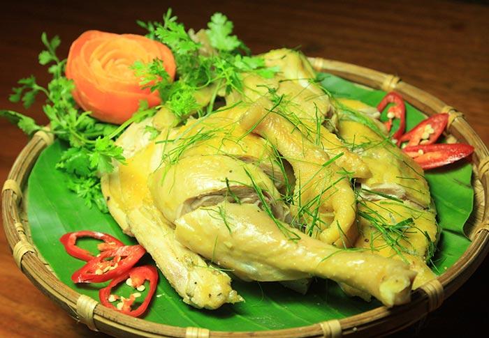 Đầu bếp nhà hàng sẽ không bao giờ hé răng tiết lộ: Cách luộc gà công nghiệp vàng ươm, dai ngon như gà nhà-2