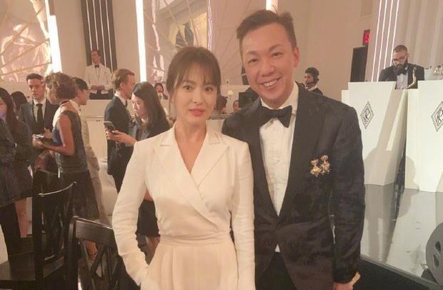 """Song Hye Kyo tiếp tục gây choáng"""" với phong cách khoe thân táo bạo kể từ khi ly hôn Song Joong Ki-6"""