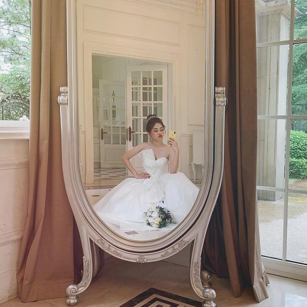 Phương Nga đăng ảnh diện váy cưới xinh ngút ngàn, khiến fan rần rần hối thúc chuyện cưới xin với Bình An-1