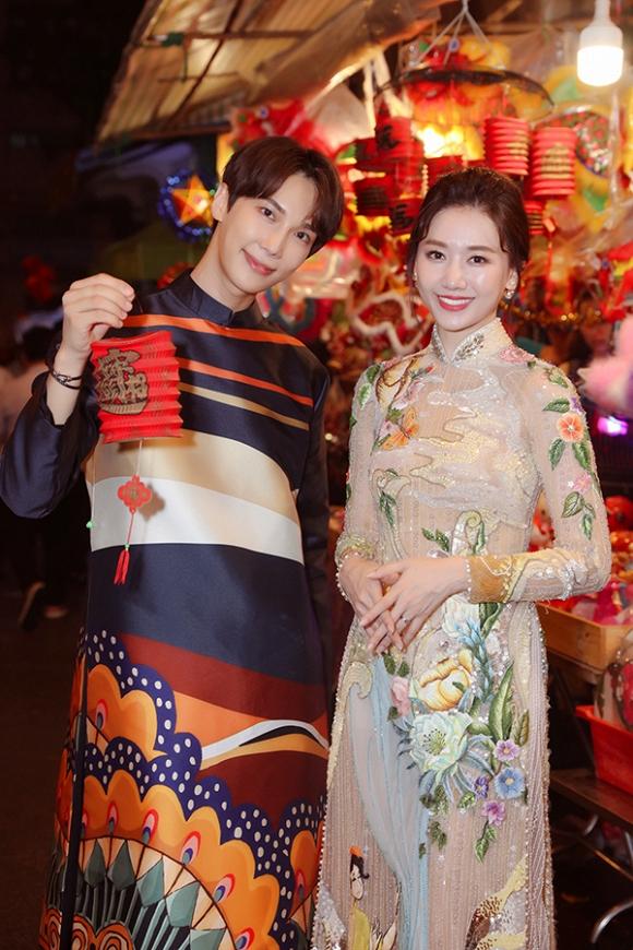 Hari Won dạo phố Trung Thu cùng tài tử Park Jung Min-3