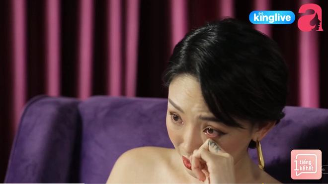 Tóc Tiên gây sốc khi nói đến mối quan hệ với mẹ ruột, hé lộ cuộc sống bên Mỹ khó khăn, trộm tiền của bà để gửi xe-2
