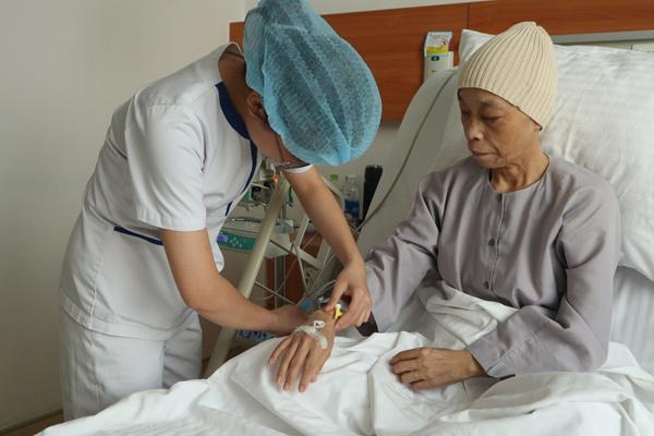 'Phép mầu nhiệm' của sư cô mắc ung thư giai đoạn muộn-2