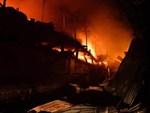 2.000 người đi khám sau cháy Rạng Đông, trường học được yêu cầu test thực phẩm-3