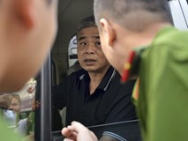 Clip: Tài xế Phiến thực hiện quá trình bỏ quên cháu bé lớp 1 trên xe