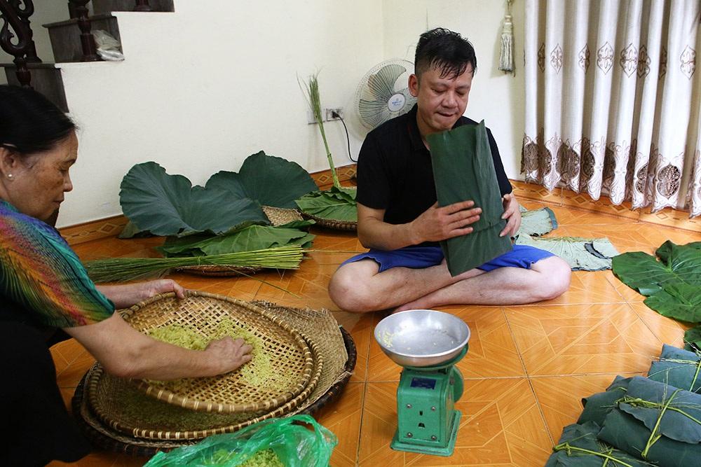 Tận mắt xem quy trình làm cốm ở làng nghề nổi tiếng nhất Hà Nội-8