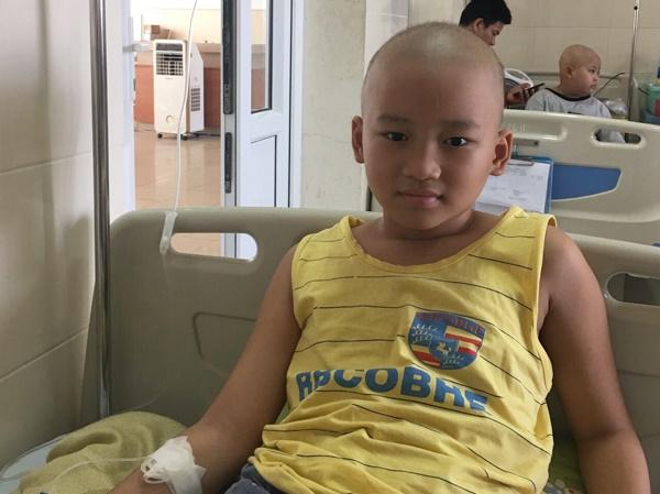 Bé trai 6 năm chiến đấu ung thư: Có thuốc nào cho con ngủ mãi không?-2