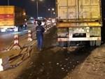 Đã tìm thấy thi thể nạn nhân trong vụ container tông một loạt xe máy từ cầu Thanh Trì rơi xuống sông Hồng-13
