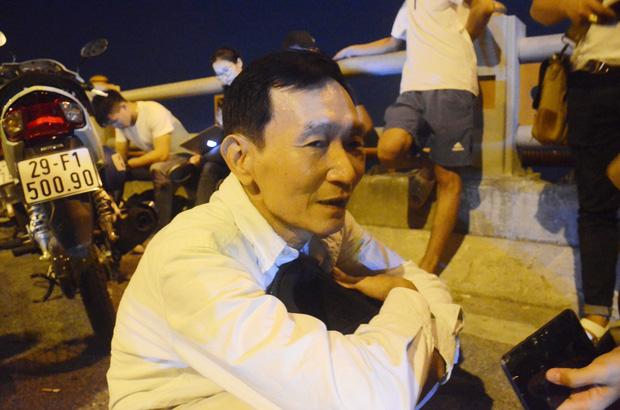 Vụ container đâm hàng loạt xe trên cầu Thanh Trì khiến 1 người rơi xuống sông: Nạn nhân sống sót kể lại sự việc-3