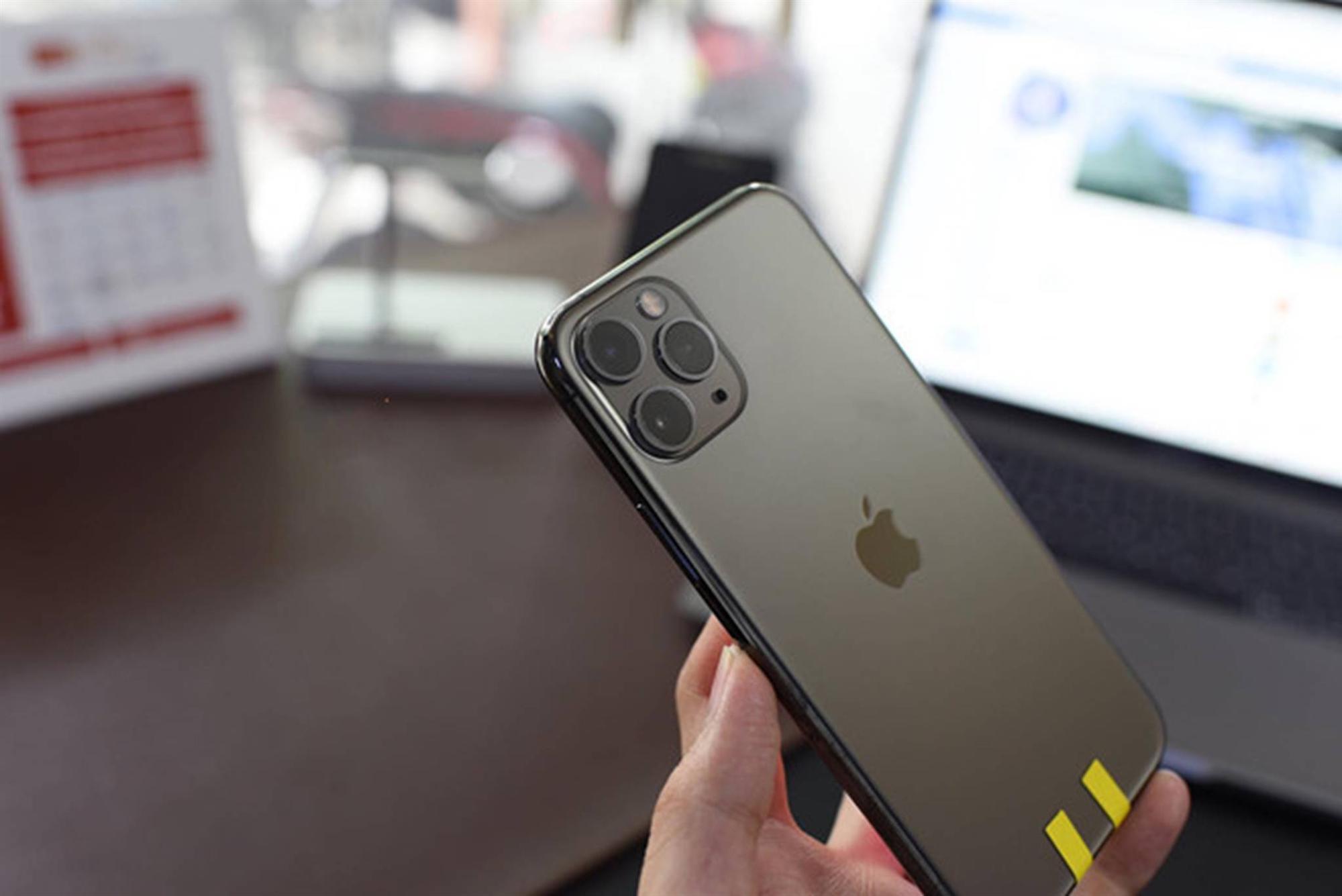 Một người Việt đã có đủ 3 chiếc iPhone mới dù Apple chưa mở bán-4