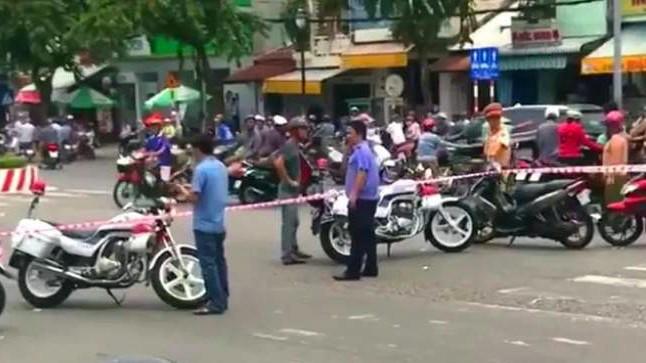 Lời khai của người phụ nữ đi xe máy đánh rơi bao tải chứa nhiều xác thai nhi xuống đường-4