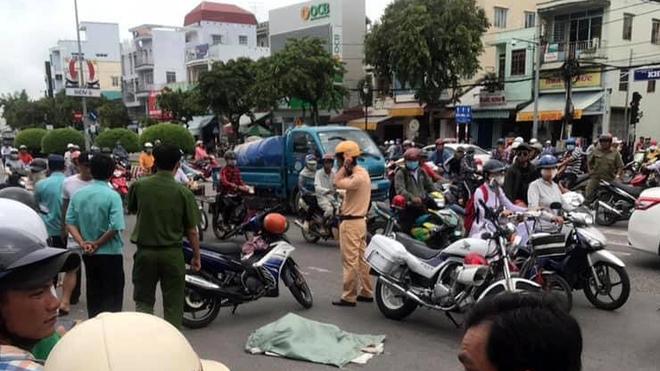 Lời khai của người phụ nữ đi xe máy đánh rơi bao tải chứa nhiều xác thai nhi xuống đường-3