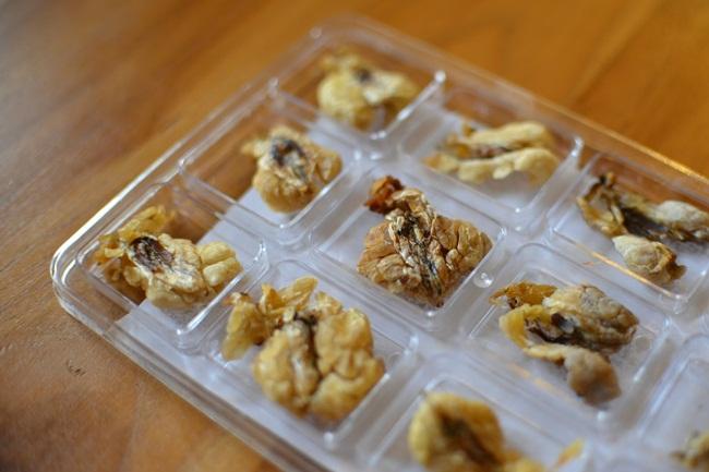 Mỏ vàng trong bụng ếch không ai đoái hoài, giá 1,5 triệu chưa đến 1 lạng-9