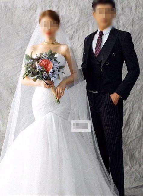 Người yêu cũ mời cưới, cô gái bất ngờ khi vào Facebook xem cô dâu: Linh cảm năm xưa đã đúng!-1