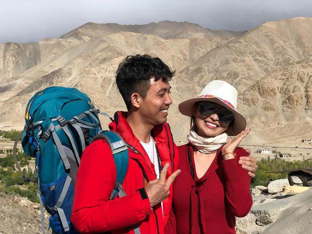 """Đại gia Minh Nhựa và vợ hai đi du lịch suốt ngày, hình chụp cũng chẳng xấu, vậy mà cứ phải mượn"""" ảnh để photoshop làm gì?-21"""