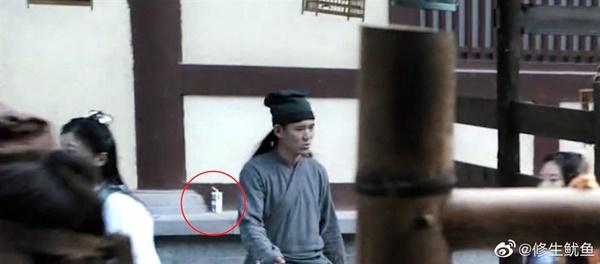 Những hạt sạn phi lý đến hài hước trong loạt phim đình đám xứ Trung-2
