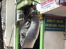 Hà Nội: Cháy cửa hàng trên phố Đê La Thành, hàng chục người nhảy xuống mái tôn nhà hàng xóm để thoát thân