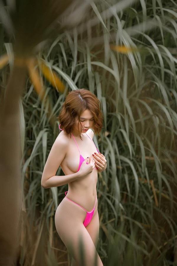 """Bị tố photoshop loạt ảnh bikini tại Bali, Ngọc Trinh liền có động thái đáp trả sương sương mà chất""""-1"""