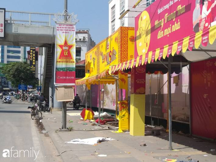Hà Nội: Hàng loạt quầy bánh Trung thu thà dỡ quầy còn hơn bán hạ giá, hội bán hàng online lại đua nhau thanh lý-6
