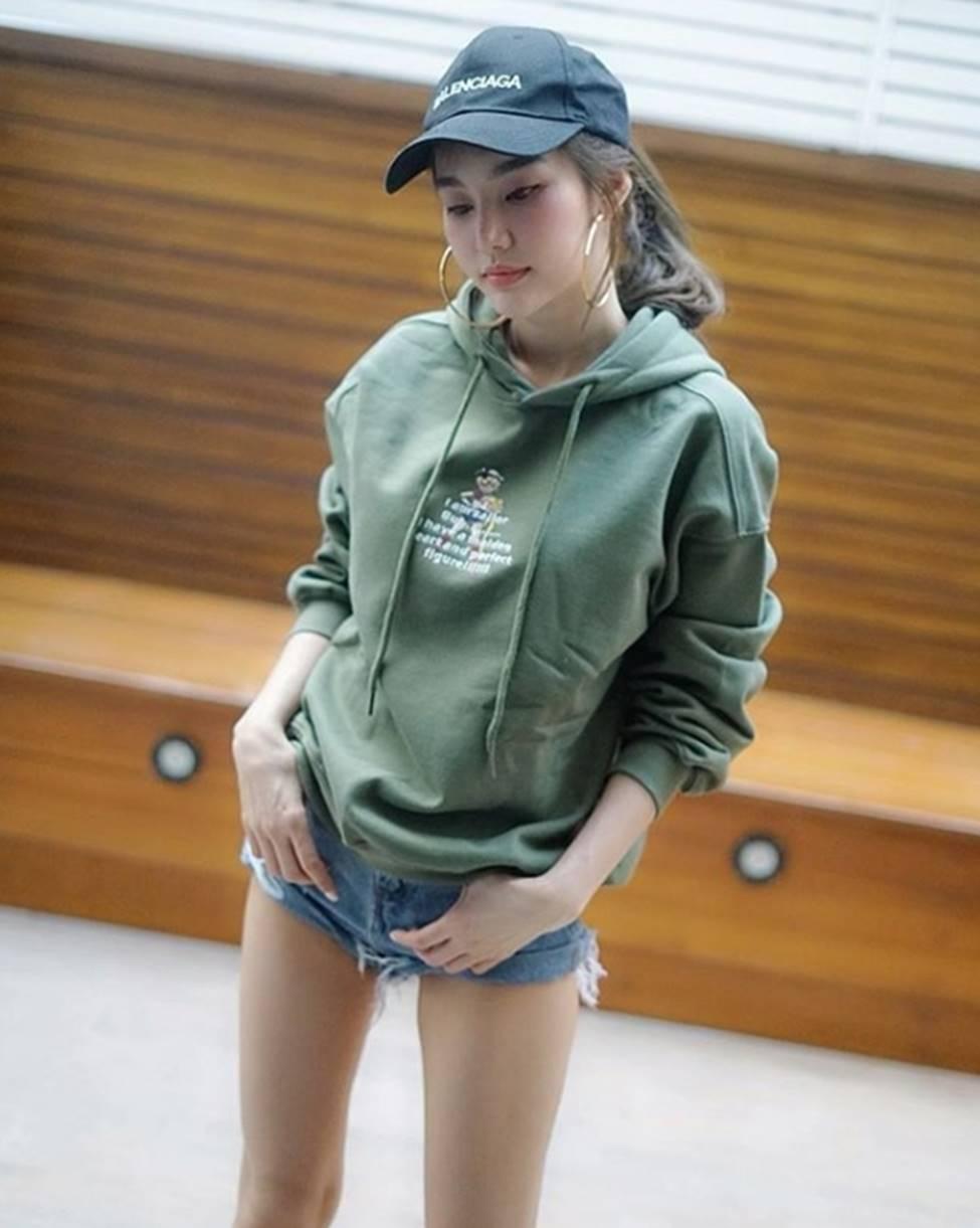 Thiên thần triệu fan Thái Lan mặc quá đỗi gợi cảm, khiến nam giới phải ngẩn ngơ-10
