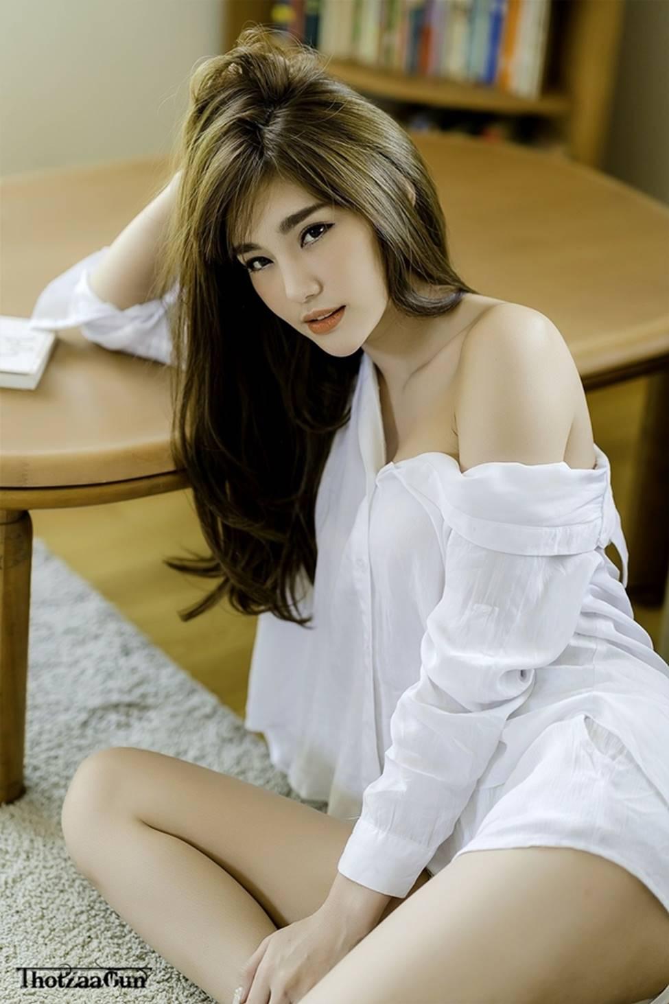 Thiên thần triệu fan Thái Lan mặc quá đỗi gợi cảm, khiến nam giới phải ngẩn ngơ-13