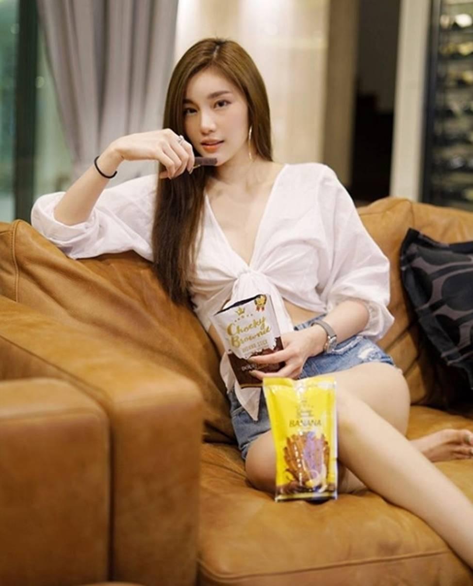 Thiên thần triệu fan Thái Lan mặc quá đỗi gợi cảm, khiến nam giới phải ngẩn ngơ-14
