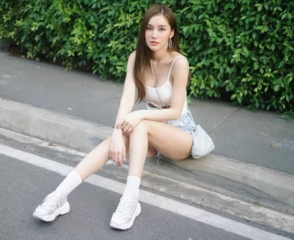 Thiên thần triệu fan Thái Lan mặc quá đỗi gợi cảm, khiến nam giới phải ngẩn ngơ-16