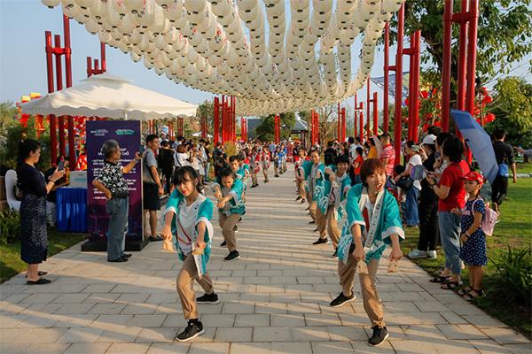 Vinhomes mở cửa Vườn Nhật 'siêu to khổng lồ'-2