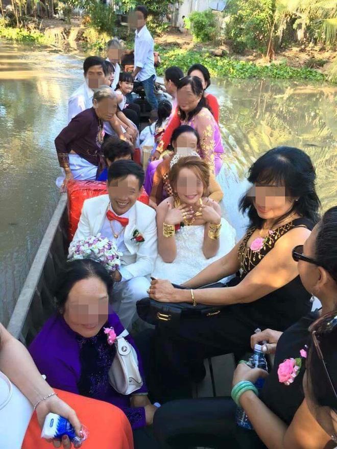 Cô dâu đeo vàng nặng trĩu ngày cưới khiến dân mạng trầm trồ, hoa mắt vì đếm hộ-1