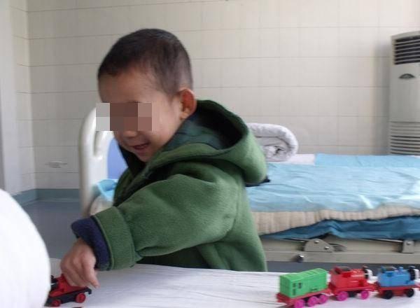 Cậu bé 9 tuổi bị ung thư ruột, bác sĩ cảnh báo 2 loại thực phẩm cả người lớn và trẻ nhỏ đều không nên ăn-2