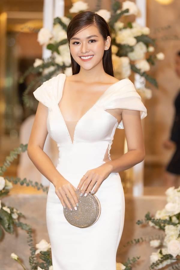Top 3 Miss World Việt Nam tiếp tục 'đốt mắt' fan với đường cong nuột nà-7