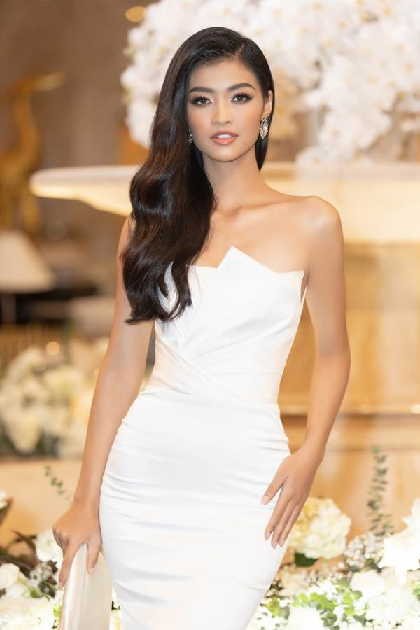 Top 3 Miss World Việt Nam tiếp tục 'đốt mắt' fan với đường cong nuột nà-8