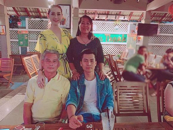 Đăng hình ảnh đón Trung thu, Lâm Khánh Chi để lộ mối quan hệ với bố mẹ chồng-3