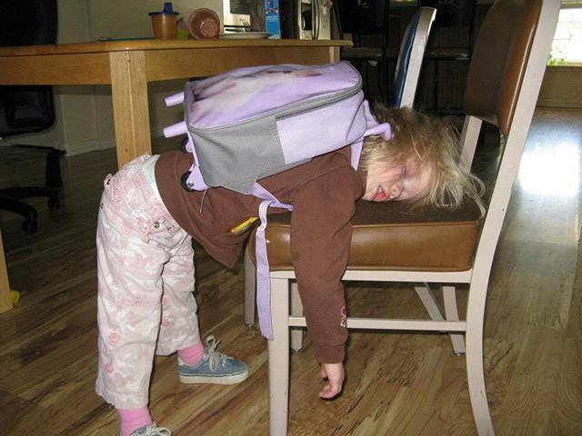 Những hình ảnh khó đỡ của con khi đi học chỉ có phụ huynh mới thấu hiểu: Mẹ mang mùa hè về đây đi-6
