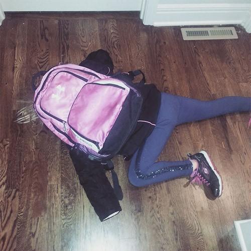 Những hình ảnh khó đỡ của con khi đi học chỉ có phụ huynh mới thấu hiểu: Mẹ mang mùa hè về đây đi-8