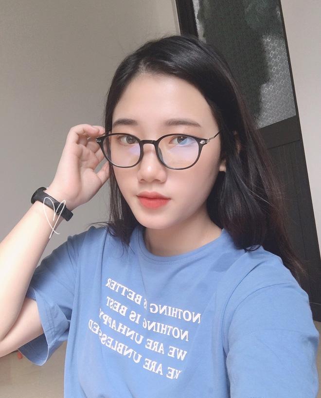 Hotgirl áo dài Đà Nẵng gây sốt bởi góc nghiêng cực giống Suzy, sở hữu hơn 12k follow Instagram và hàng chục clip triệu view-3