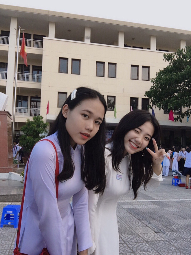 Hotgirl áo dài Đà Nẵng gây sốt bởi góc nghiêng cực giống Suzy, sở hữu hơn 12k follow Instagram và hàng chục clip triệu view-5