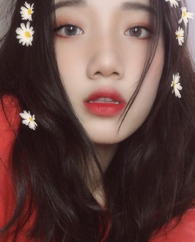 Hotgirl áo dài Đà Nẵng gây sốt bởi góc nghiêng cực giống Suzy, sở hữu hơn 12k follow Instagram và hàng chục clip triệu view-6