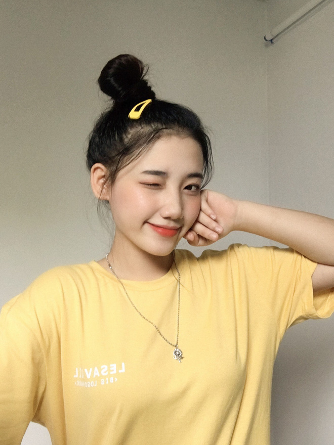 Hotgirl áo dài Đà Nẵng gây sốt bởi góc nghiêng cực giống Suzy, sở hữu hơn 12k follow Instagram và hàng chục clip triệu view-7