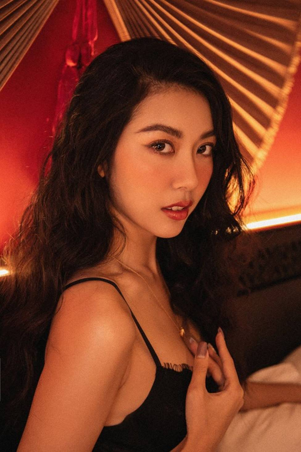 2 trùm cuối của Hoa hậu Hoàn vũ Việt Nam có body hoàn hảo như thần Vệ nữ-16