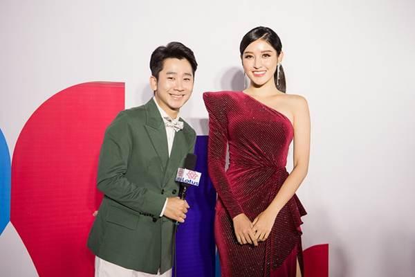 Hoa hậu Lương Thuỳ Linh diện váy xuyên thấu gợi cảm, tự tin đọ sắc các đàn chị-8