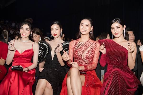 Hoa hậu Lương Thuỳ Linh diện váy xuyên thấu gợi cảm, tự tin đọ sắc các đàn chị-13