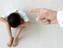 Bát mì úp trong chăn và trận đòn đau nhớ đời, ông bố đơn thân rớt nước mắt khi đọc lá thư của con trai